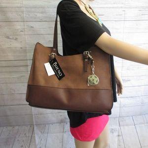 NWT - BUENO COLLECTION hand/shoulder bag - $55.00